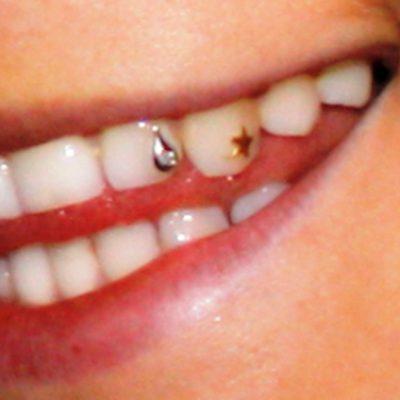 tooth jewellery gold diamante